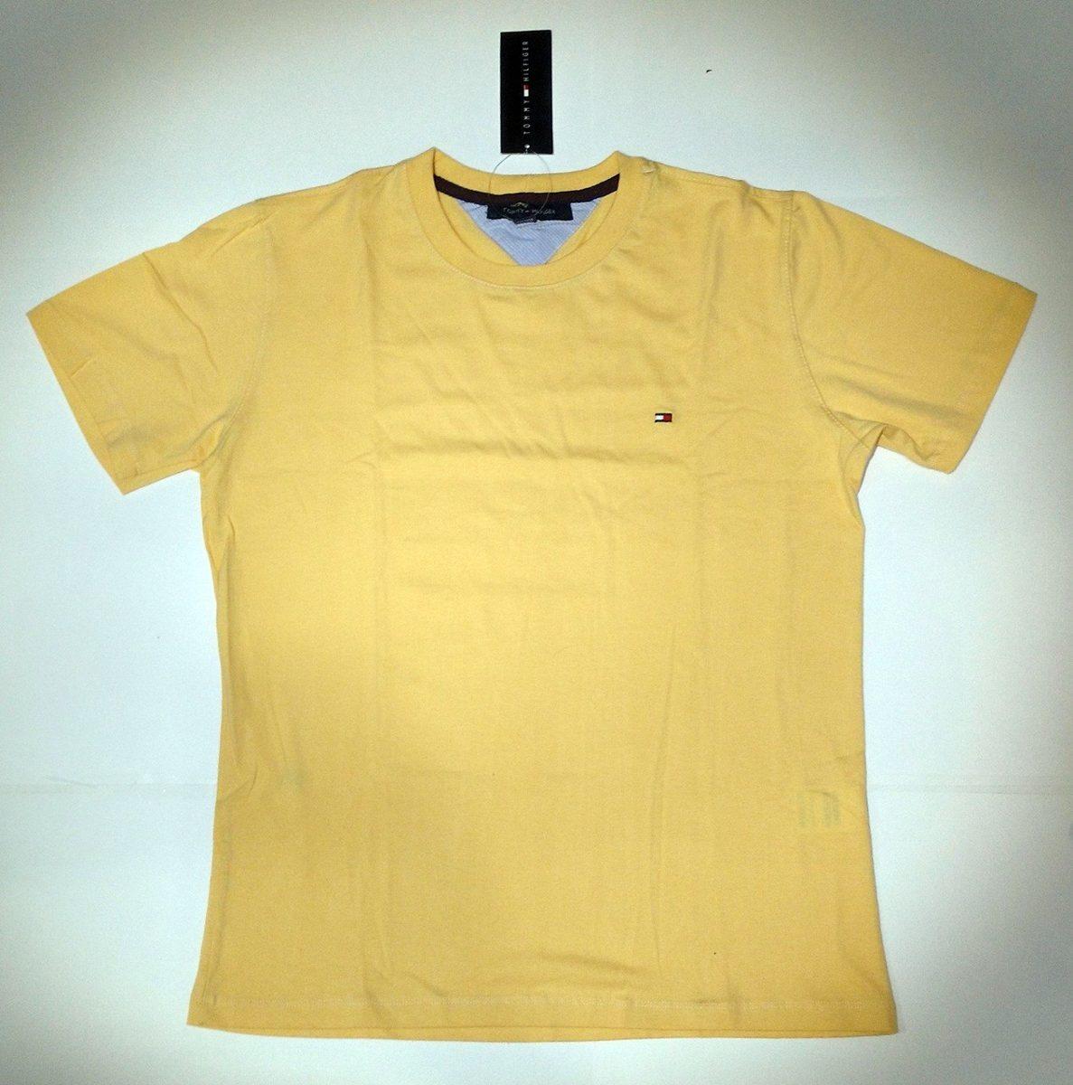 2d65c96aa8cb9 camiseta básica tommy hilfiger amarela 100% algodão. Carregando zoom.