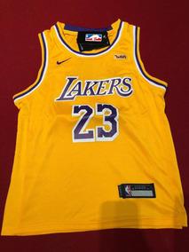 83ea6f0b4 Chaqueta Lakers en Mercado Libre Chile