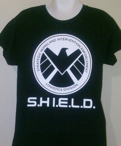 camiseta batman / iron man / capitán américa