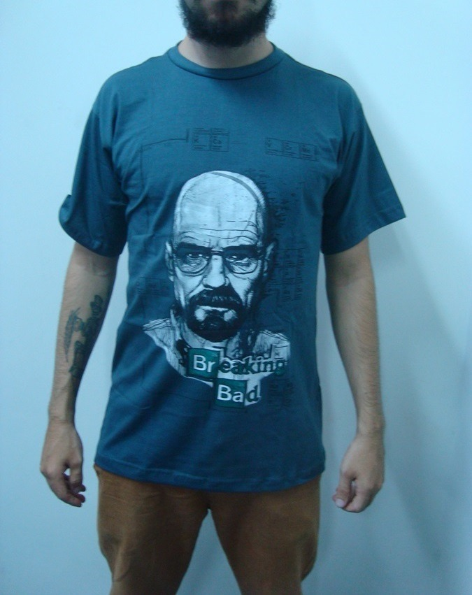 84656f2f7 camiseta breaking bad - heisenberg - cinza. Carregando zoom.