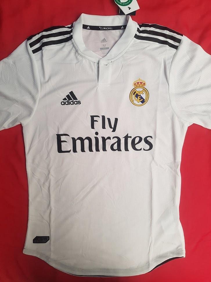 Camiseta De Fútbol Real Madrid Cf 2018   2019 -   90.000 en Mercado ... 0d662919b1388