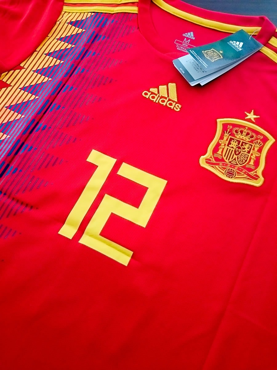 cc7601dd8fdb4 Camiseta de la selección de españa rusia cargando zoom jpg 900x1200 Camiseta  espana rusia 2018
