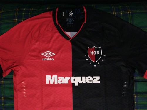 camiseta de newells umbro xl.