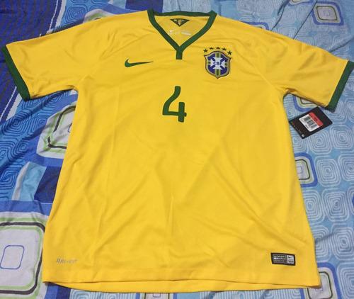 camiseta de selección de brasil. talla l