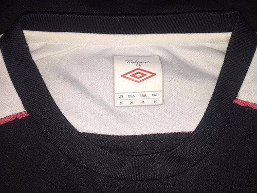 camiseta entrenamiento de colo colo, marca umbro, talla m