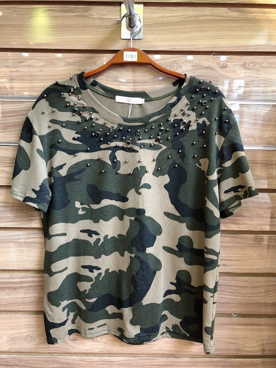 f789576fb2 camiseta feminina blusa militar camuflada pedraria. Carregando zoom.