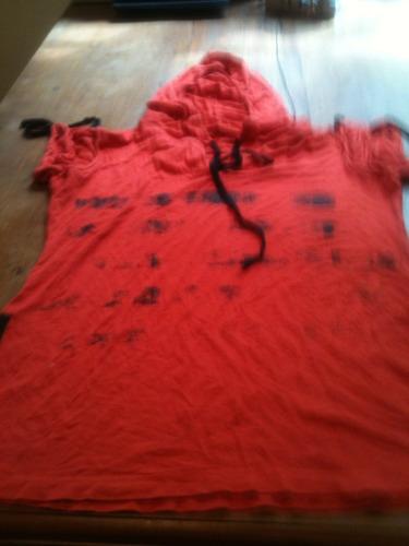 camiseta feminina com touca tam g