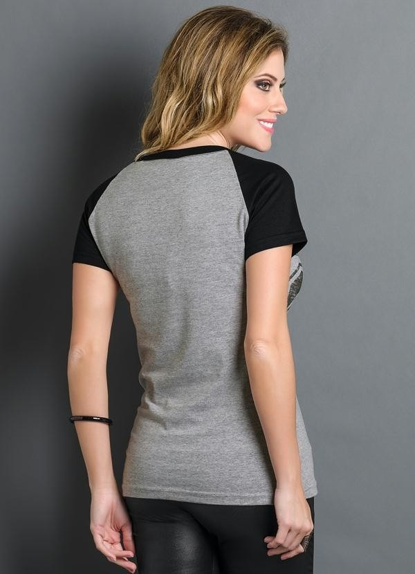 91a6aa49ca135 camiseta feminina estampa número esportiva modelo americano. Carregando  zoom.