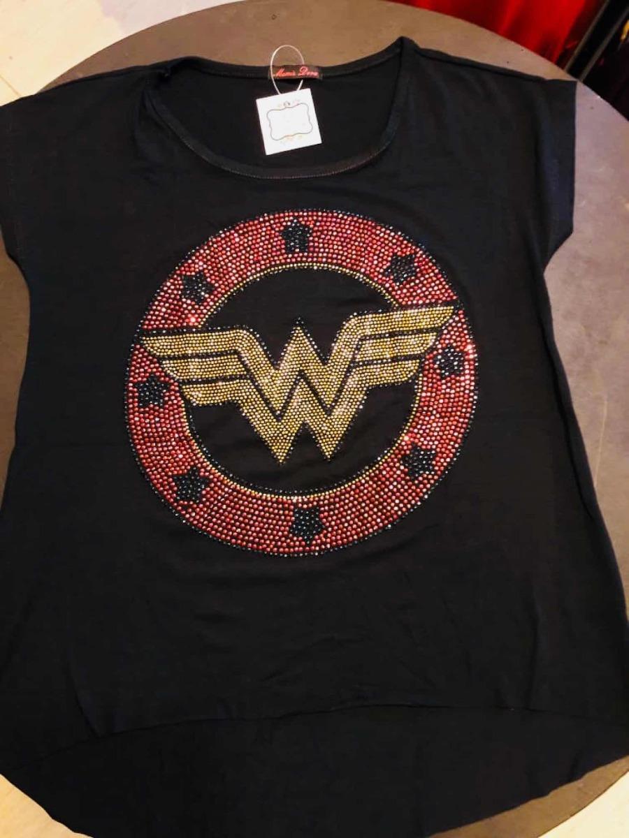 1a8a182003 camiseta feminina mulher maravilha com strass. Carregando zoom.