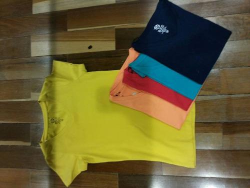 camiseta feminina, tem todas essas cores!