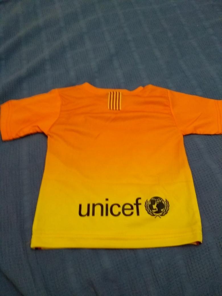 Cargando zoom... fútbol barcelona camiseta. Cargando zoom... camiseta  fútbol barcelona para bebés talle 24 meses y otra 3f9d6c434e8