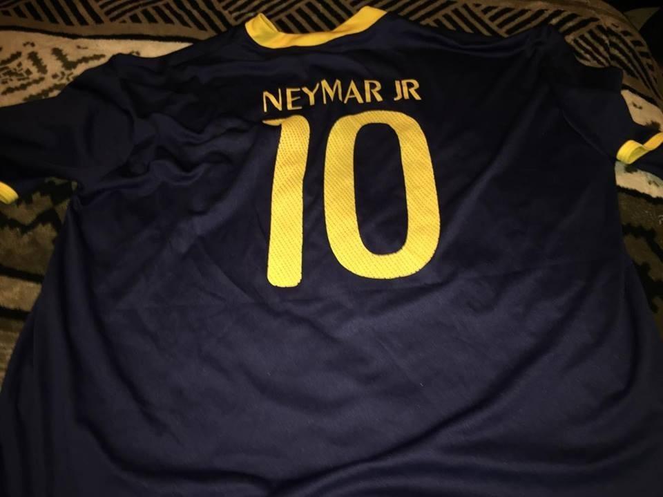 3f7d2d4110c68 Camiseta De Futbol Brasil Neymar -   15.000 en Mercado Libre