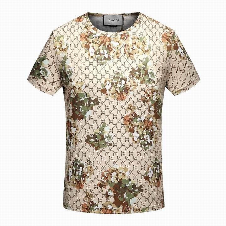 92a6698f31 Camiseta Gucci Manga Curta Estampada - R  169