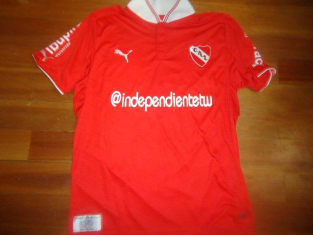 6f0a4f915 Camiseta Independientetw   Rey De Copas Roja Puma  6 Tuzzio ...
