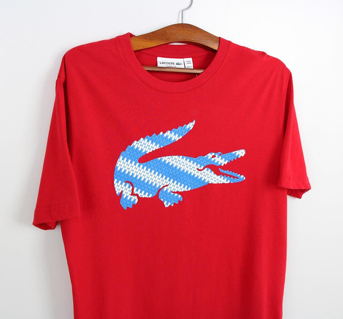 5dc16c659c8 camiseta lacoste vermelha big croc. Carregando zoom.