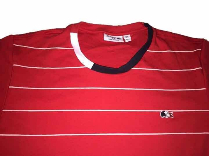 9a85fee671d29 Camiseta Lacoste Vermelha Listras Brancas Masculina Peruana - R  100 ...