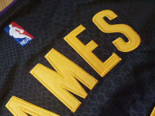 Camiseta Lebron James Preta Los Angeles Lakers Masculina - R  175 29dc1e7911f57