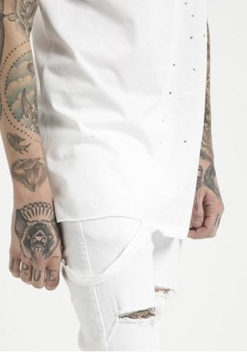 camiseta malha premium rasgada branca longline  offert