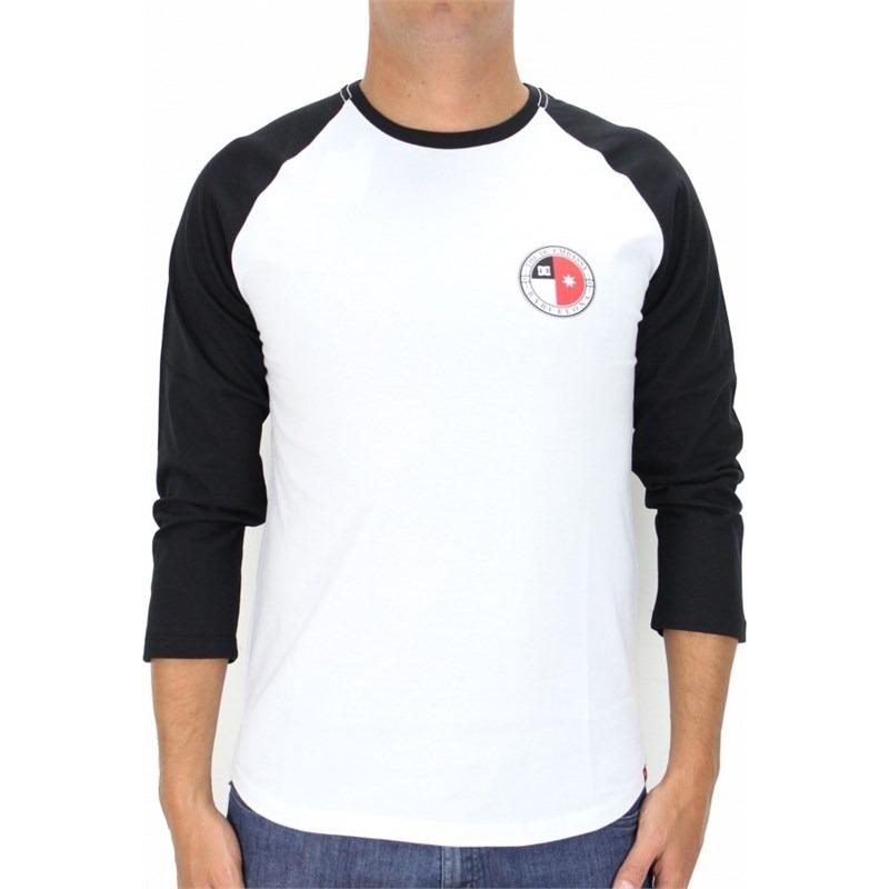 Camiseta Dc Shoes Core Raglan Manga Longa Branca - R  99 aad3c3f2dbd2d