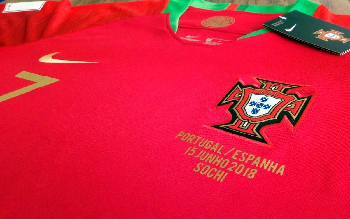 2b62193a4ba40 camiseta mangas largas portugal cristiano ronaldo rusia2018. Cargando zoom.