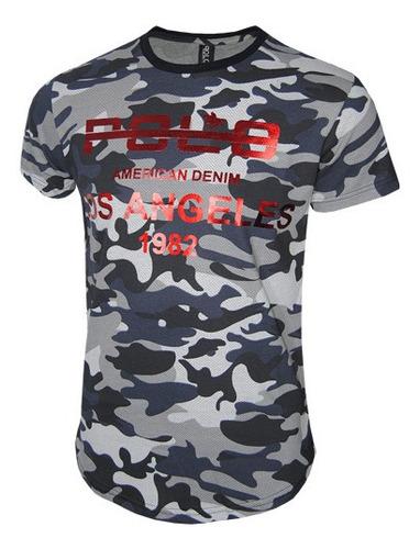 camiseta masculina camuflada com estampa em foil
