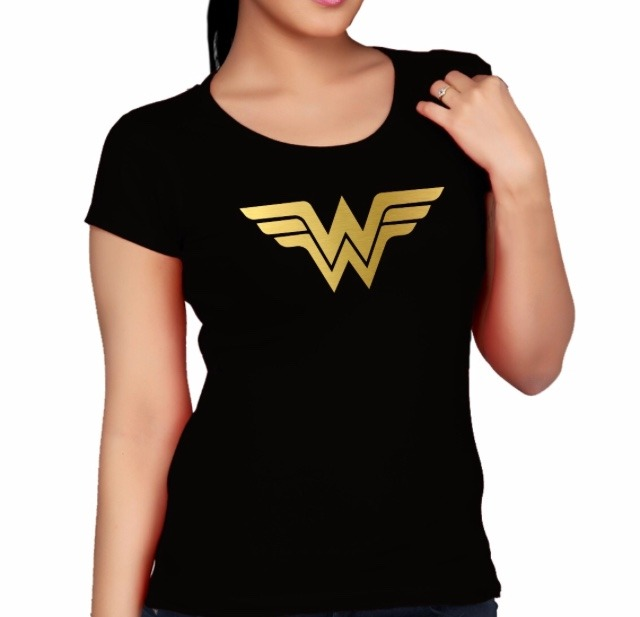 5ba3d44fe Camiseta - Mulher Maravilha - R  33
