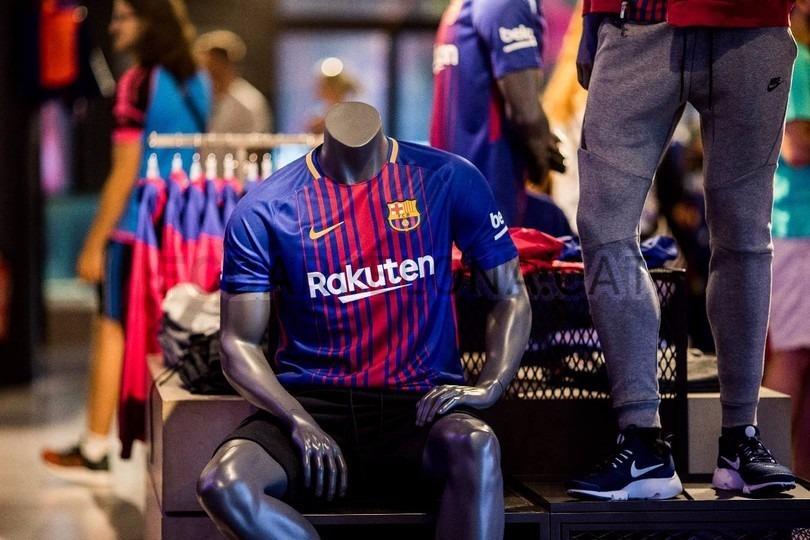 camiseta nike barcelona breathe stadium 2017-2018 original. Cargando zoom. 7e42af29646
