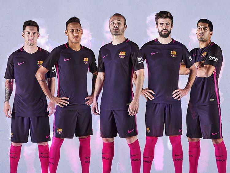 Camiseta Nike Barcelona Ii 16 17 Torcedor Masculina Original - R ... b9b1e379a8515