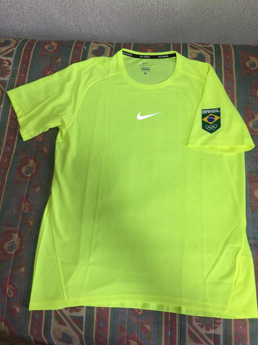 dc96790690696 camiseta nike brasil olimpíadas amarela rio2016. Carregando zoom.
