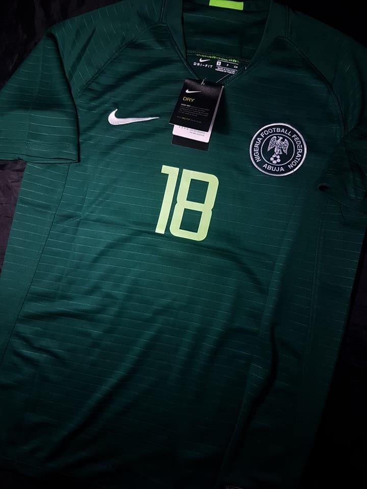 b9a41e37f0 camiseta nike nigeria titular 2018 verde. Cargando zoom.