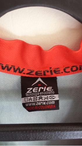 camiseta o jersey para ciclismo