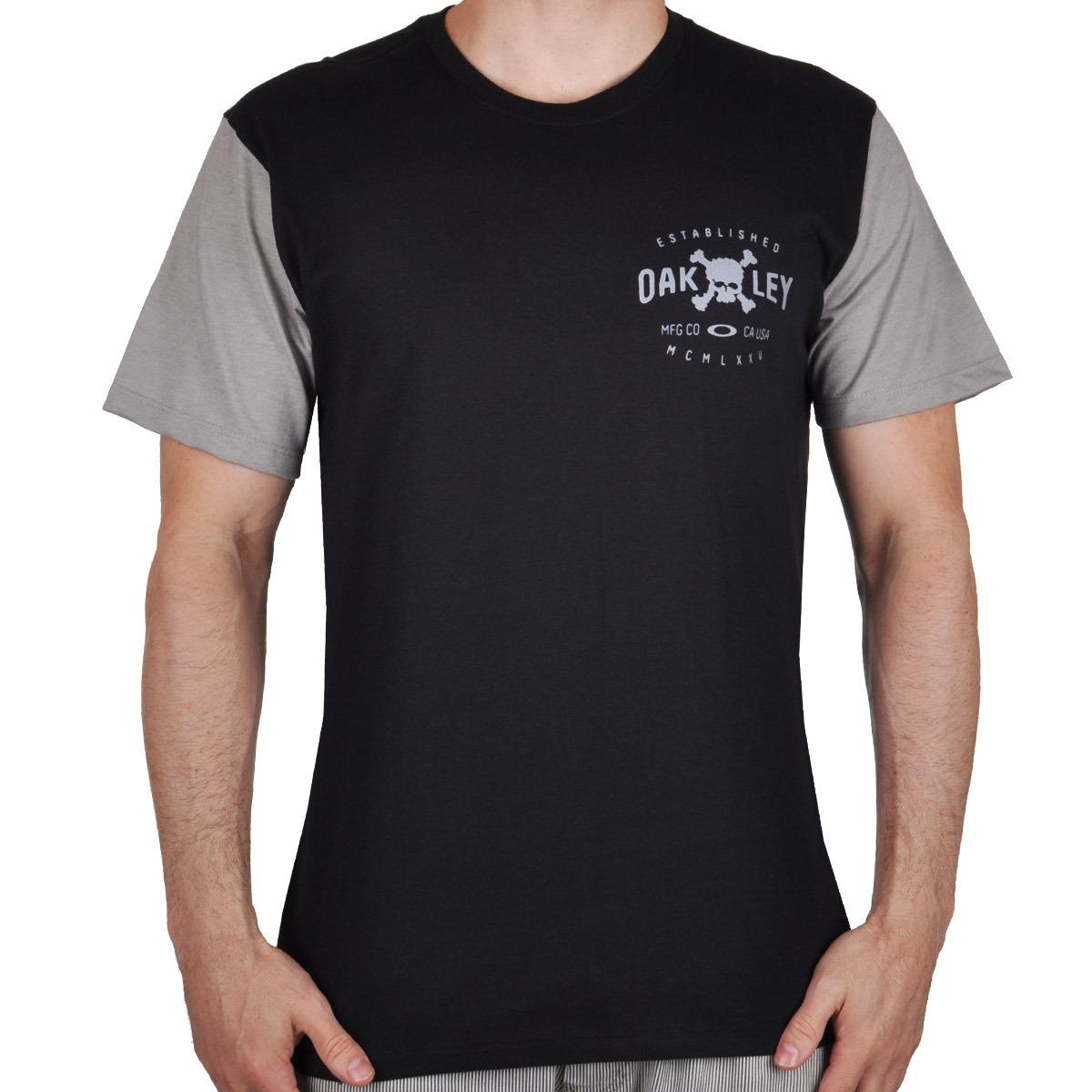 5f88a391fe Camiseta Oakley Skull Seal Preto - Cut Wave - R  49