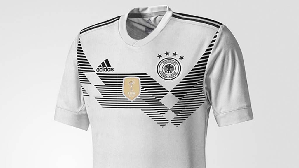 cda32e9c9c39b camiseta oficial alemania 2018 - titular. Cargando zoom.