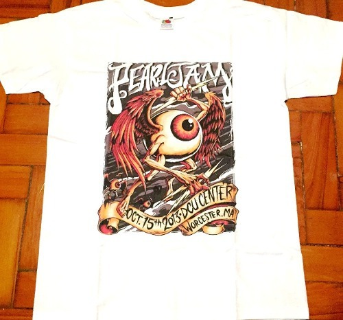 ad6a97f588 Camiseta Pearl Jam Worcester 2013 Exclusiva Oficial - R  129