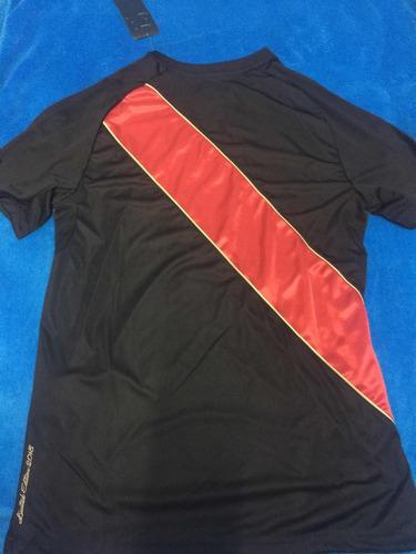 camiseta peru umbro negra black edition y roja de todos