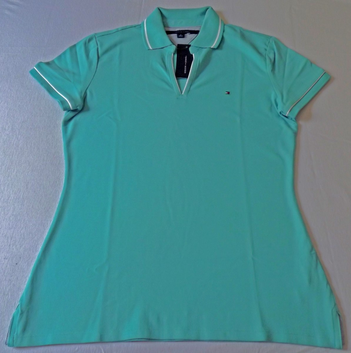 d583c50115ded camiseta polo tommy hilfiger feminina gola v. Carregando zoom.