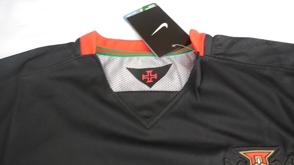 7b04d85638 camiseta portugal 15 16 away nike. Cargando zoom.