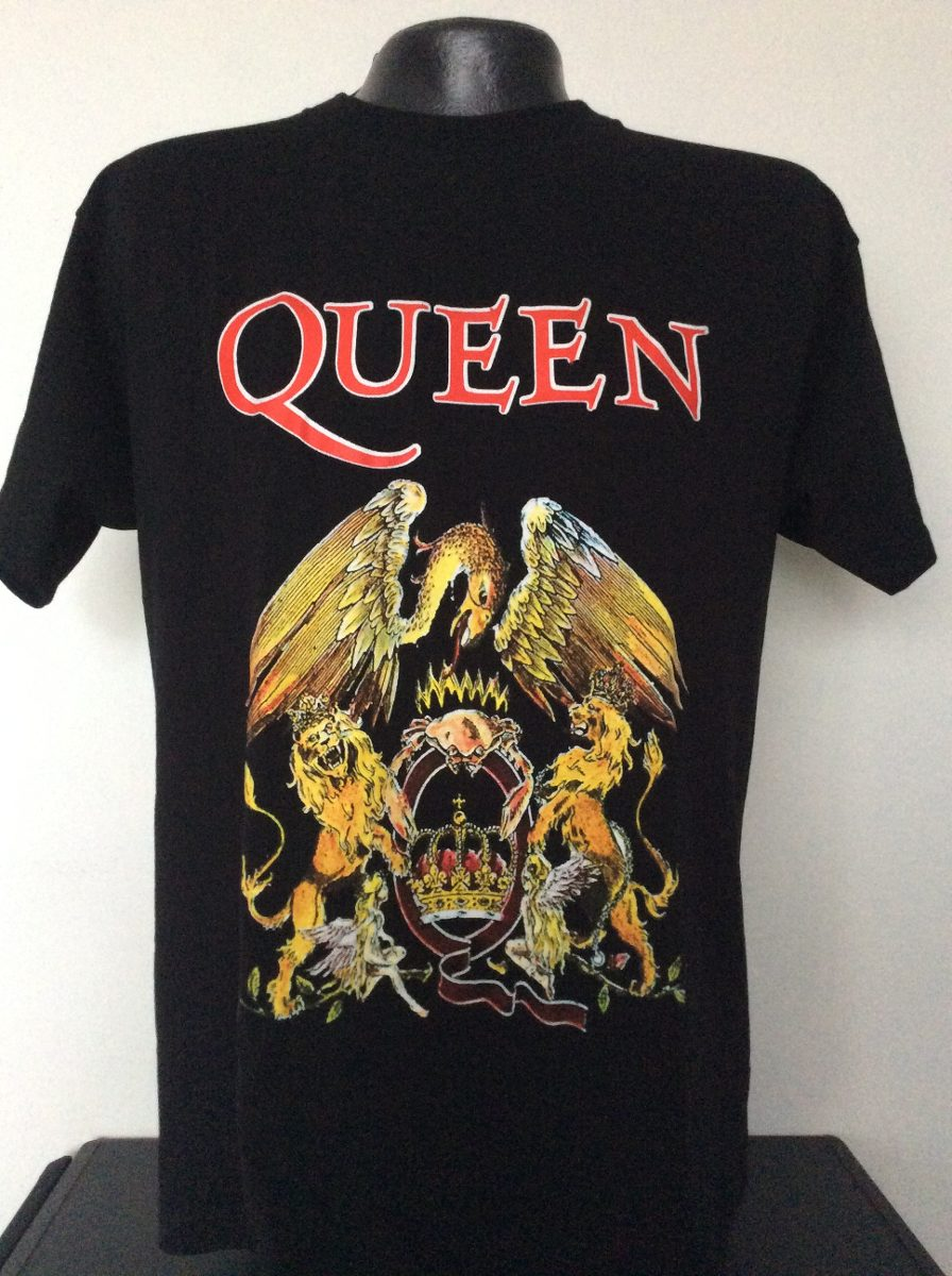 a920a7b5ee6c2 camiseta queen banda logo rock metal anime heroes salsa. Cargando zoom.