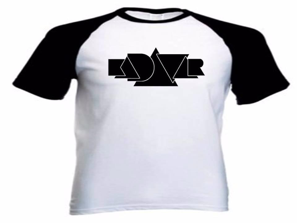 74cb9bde9 camiseta raglan personalizada kadavar logo preto. Carregando zoom.