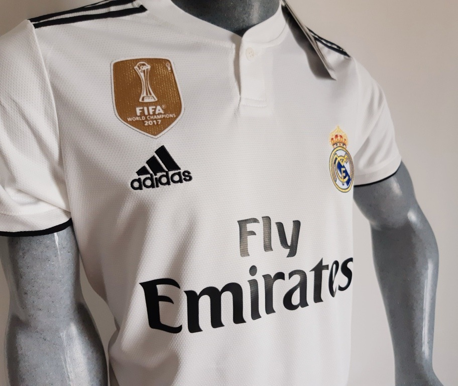 759ebf8c09752 Camiseta Real Madrid 2018 2019 Campeón Mundial De Clubes -   170.000 ...