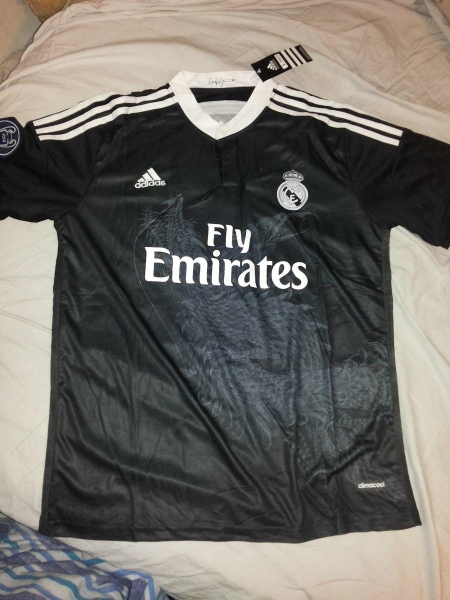 fa24cab14561d camiseta real madrid negra + short. Cargando zoom.