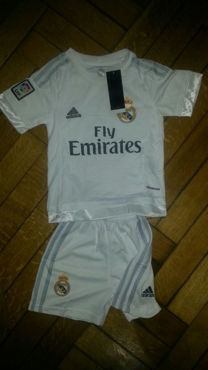 Kit Camiseta + Short Real Madrid Niño Cristiano Ronaldo -   599 fe5517633ce2d