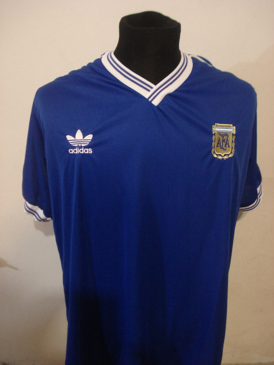 3547fd9046 Camiseta retro argentina azul italia envio gratis diego cargando zoom jpg  900x1200 Camiseta italia 90