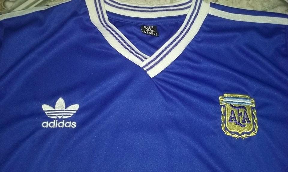 2bded8affc camiseta retro argentina suplente 1990 - maradona. Cargando zoom.