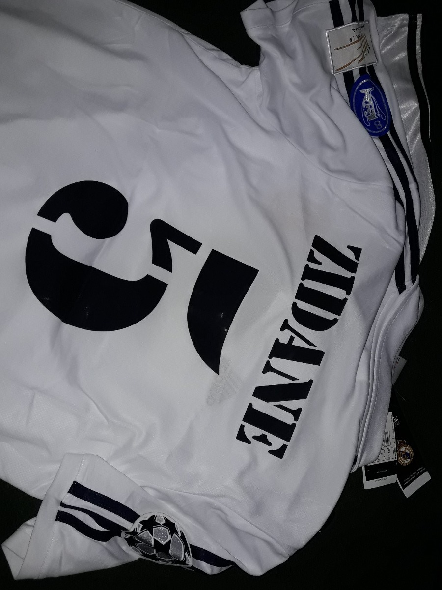 2ddf7eb91fe69 camiseta retro real madrid zidane ronaldo guti r.carlos. Cargando zoom.