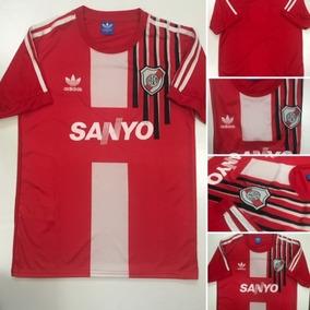 e53d65dd0 Camiseta Retro River Plate Coleccionables en Mercado Libre Argentina