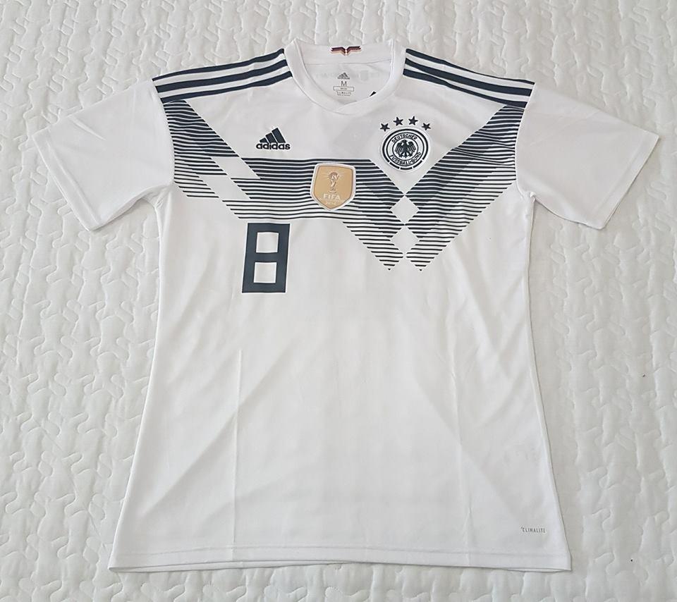 4e39bf95c2497 camiseta seleccion alemania 2018 muller kroos ozil. Cargando zoom.