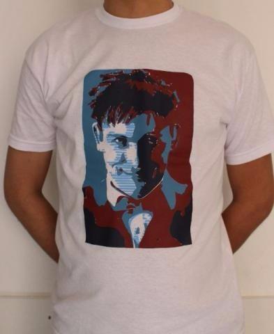 camiseta - série gotham (pinguim)100% algodão estampa silk