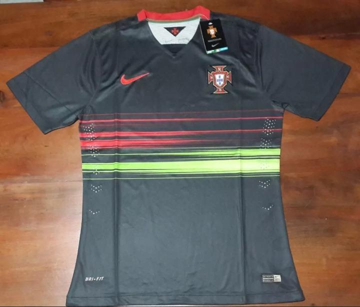 9735a2781e Camiseta Suplente Negra Seleccion De Portugal Modelo Match -   800 ...