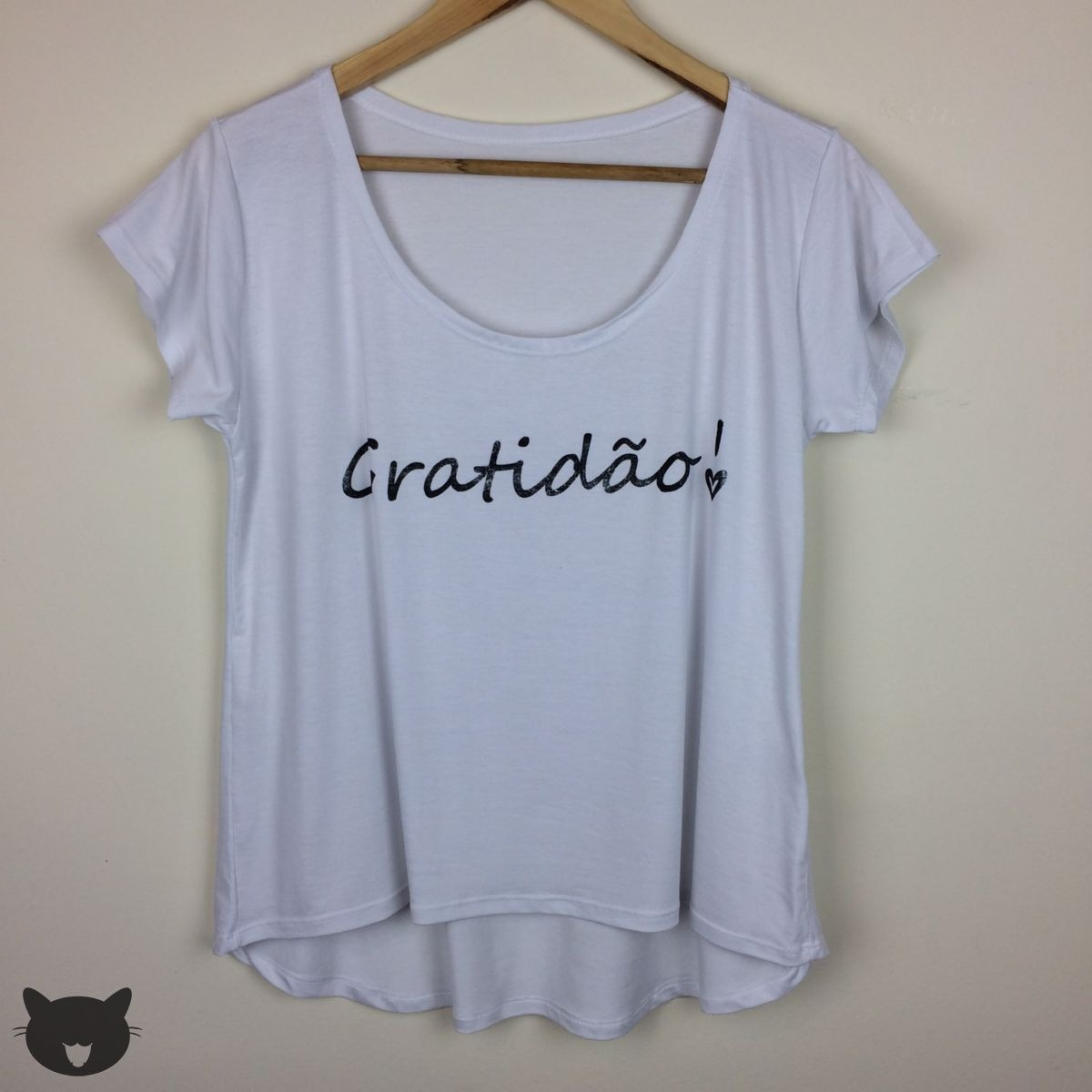 33e1943ef Camiseta T-shirt Blusa Feminina Mullet Gratidão Frase Branco - R  28 ...